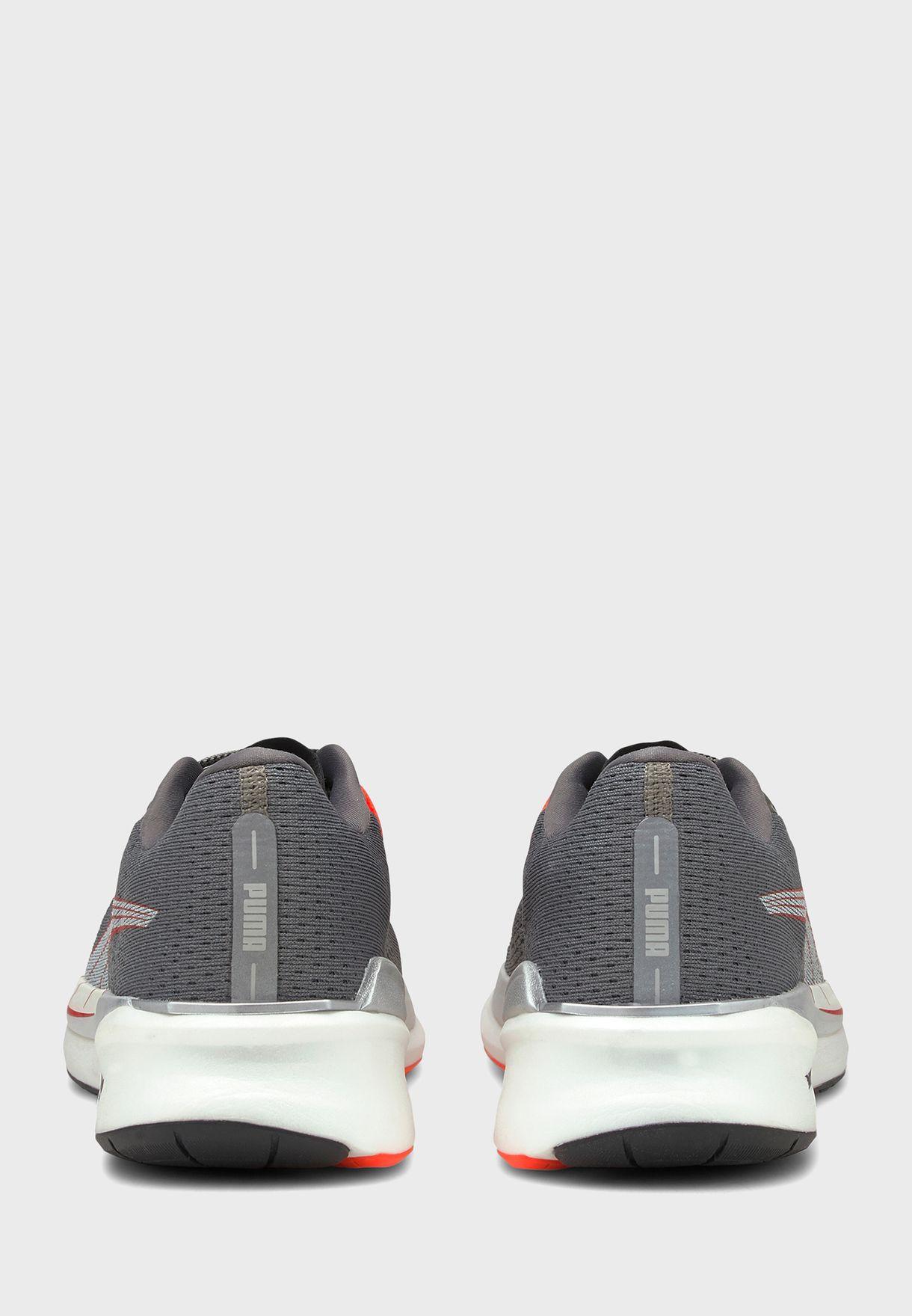 حذاء إيتيرنيتي نيترو