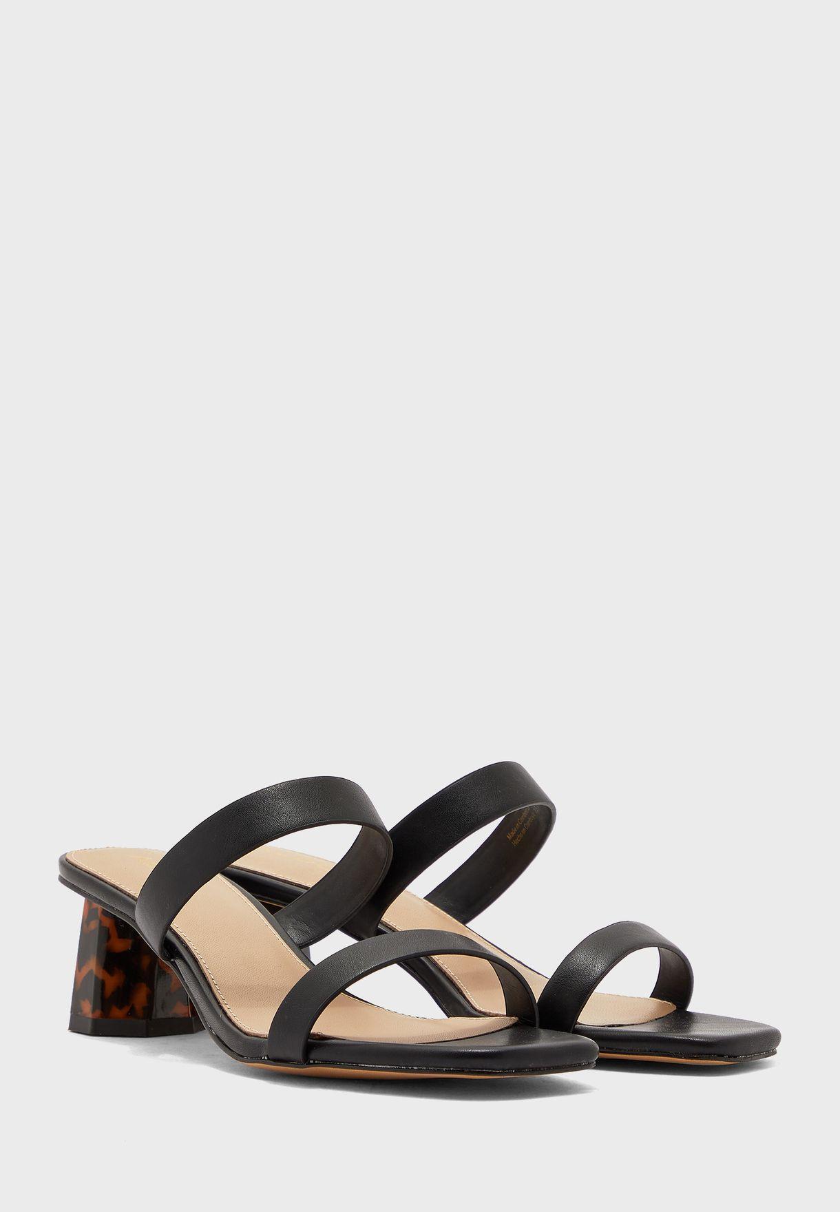 Etealia Low Heel Sandal