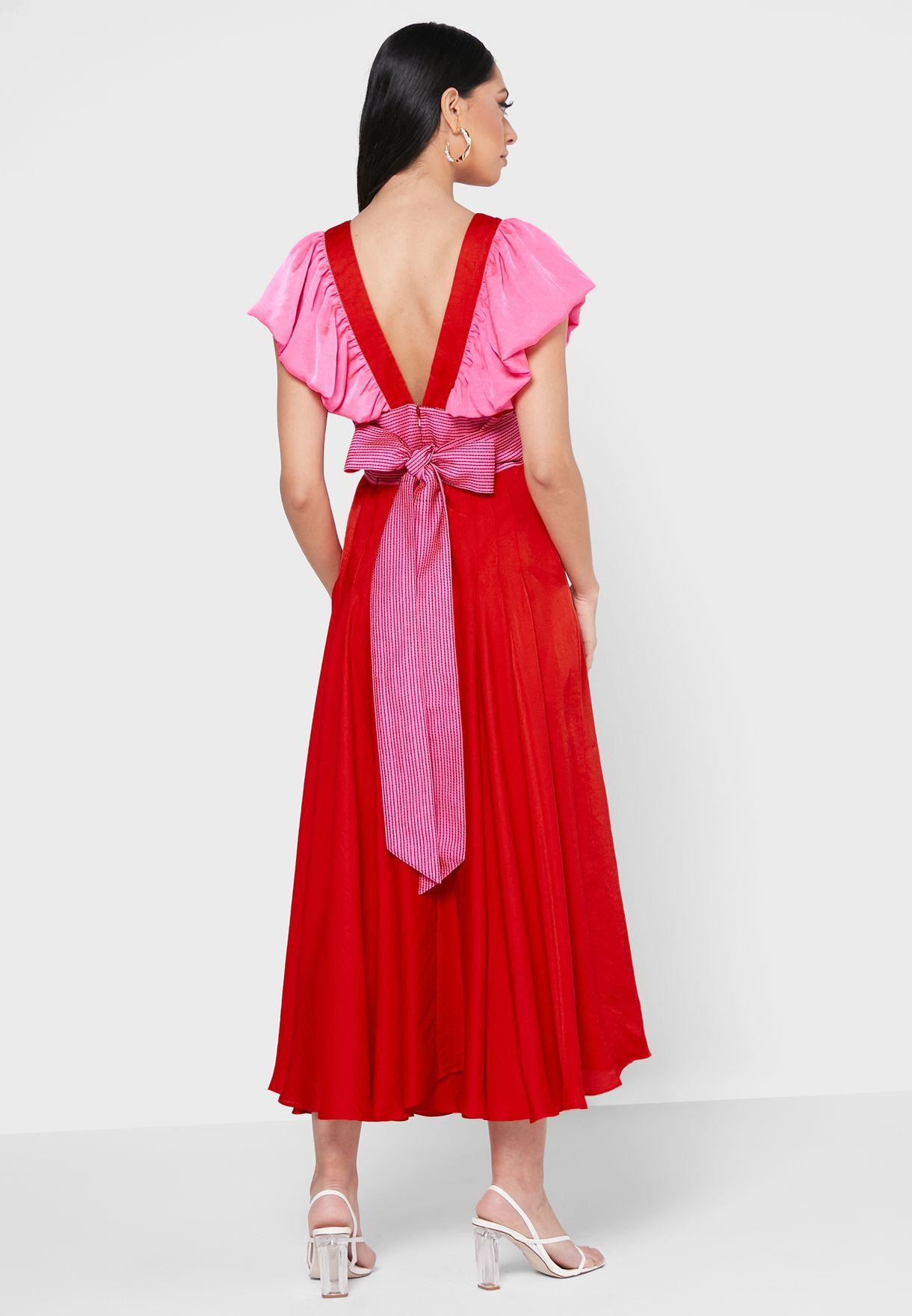 فستان مكشكش بأربطة خصر