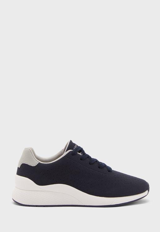 Manamo Low Top Sneakers