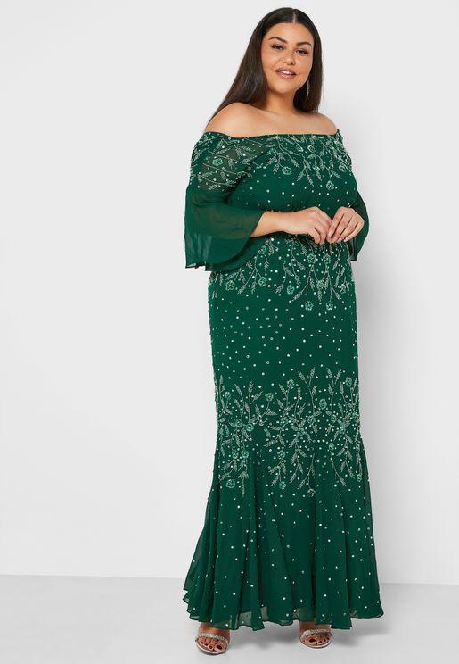 فستان عاري الاكتاف وبطبعات