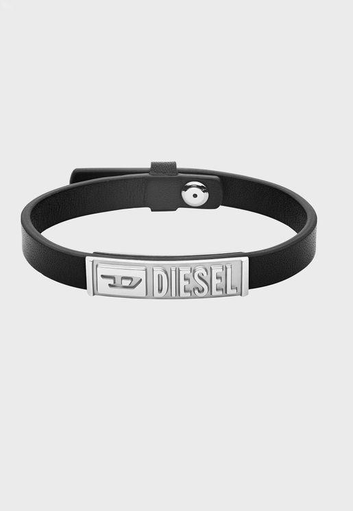 DX1226040 Plug Clasp Bracelet