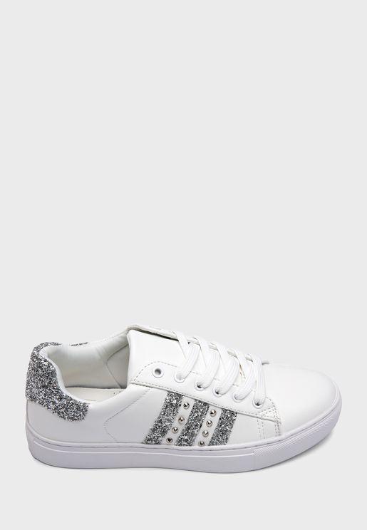 حذاء سنيكرزمزين بذرات براقة