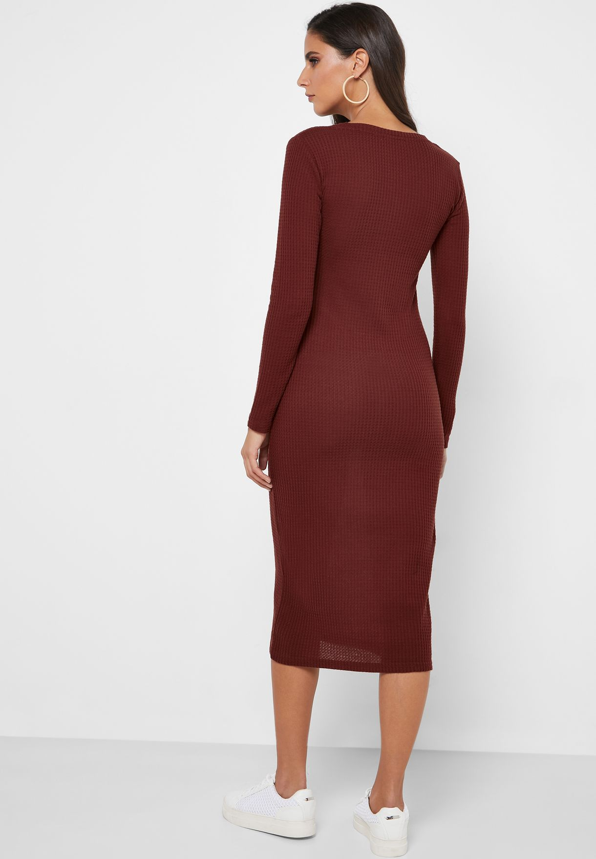 فستان بقصة ضيقة (بديكون)