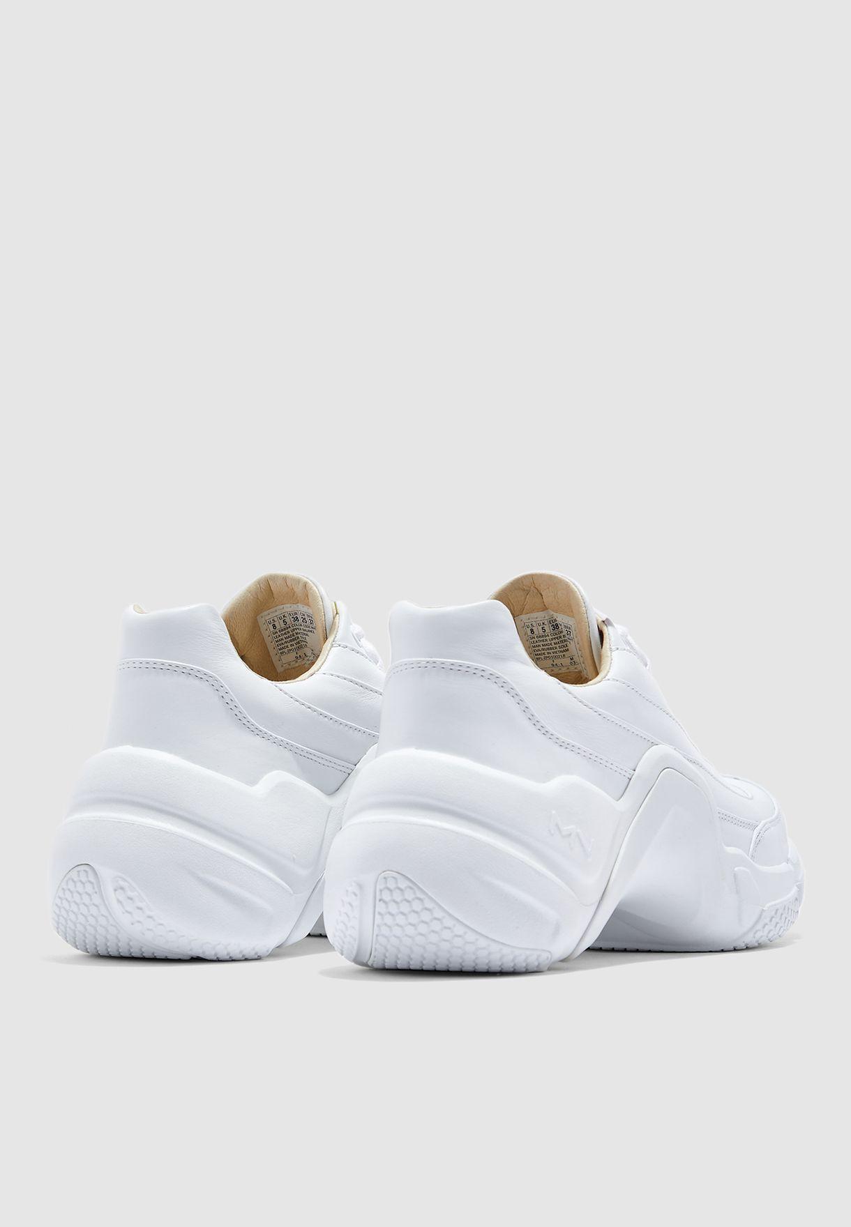 حذاء نيو بلوك