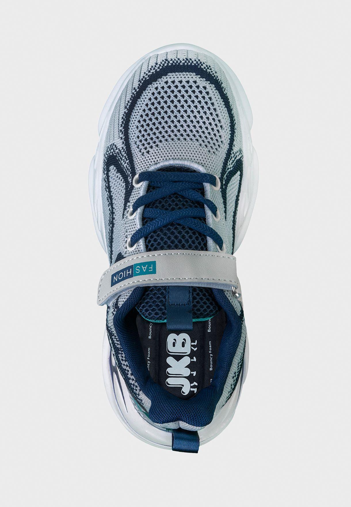 حذاء سنيكرز ديلان