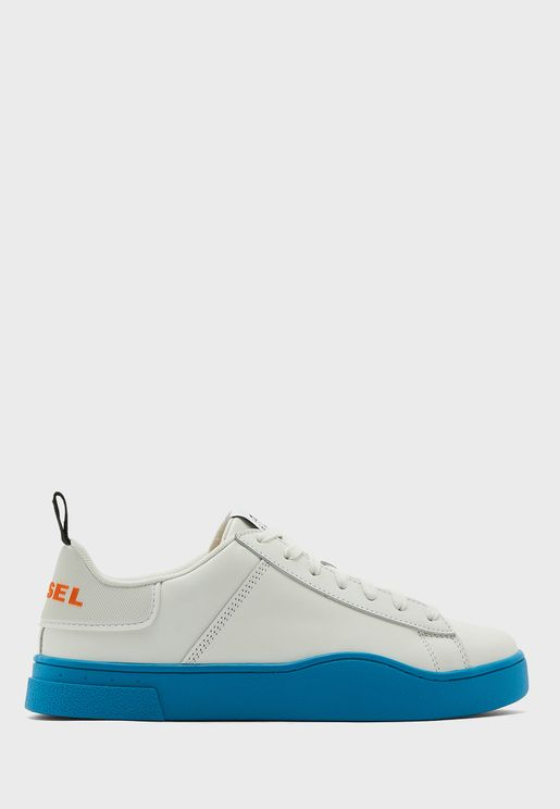 Clever Low Top Sneaker