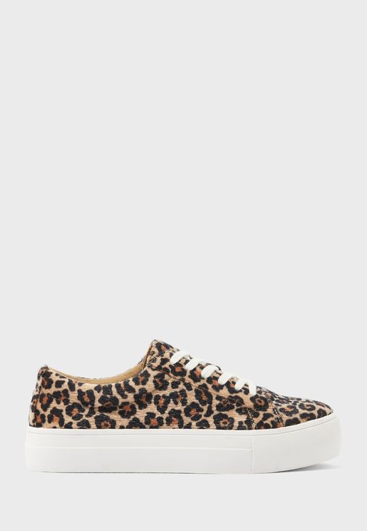 Printed Low Top Sneaker