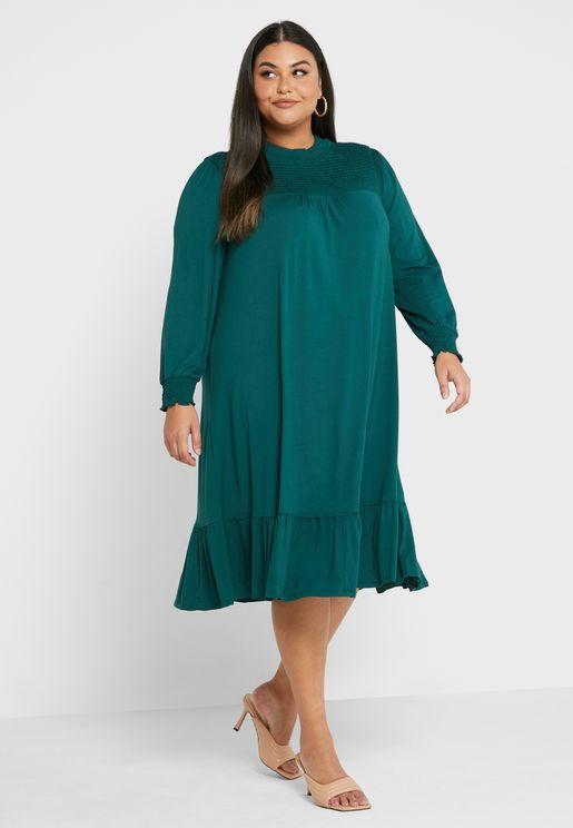 فستان بياقة مزمومة