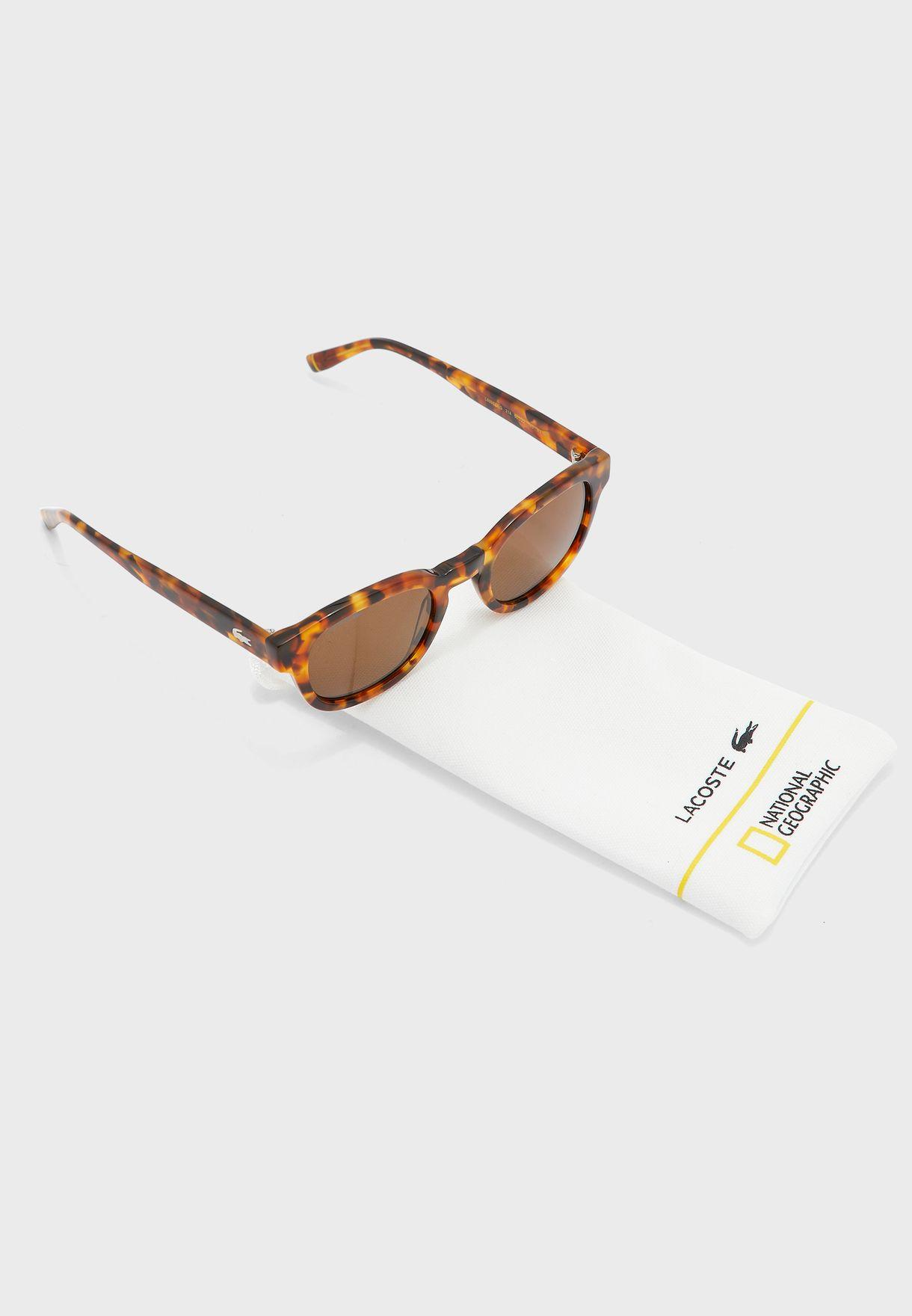 نظارة شمسية بعدسات بيضوية
