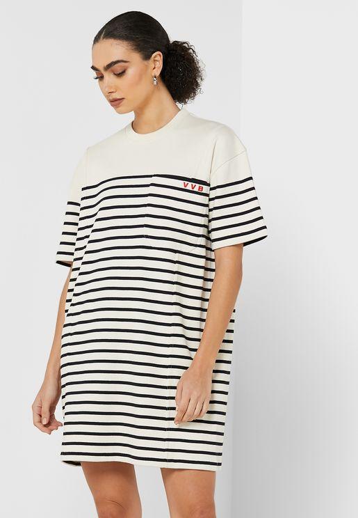 فستان مخطط باكمام قصيرة