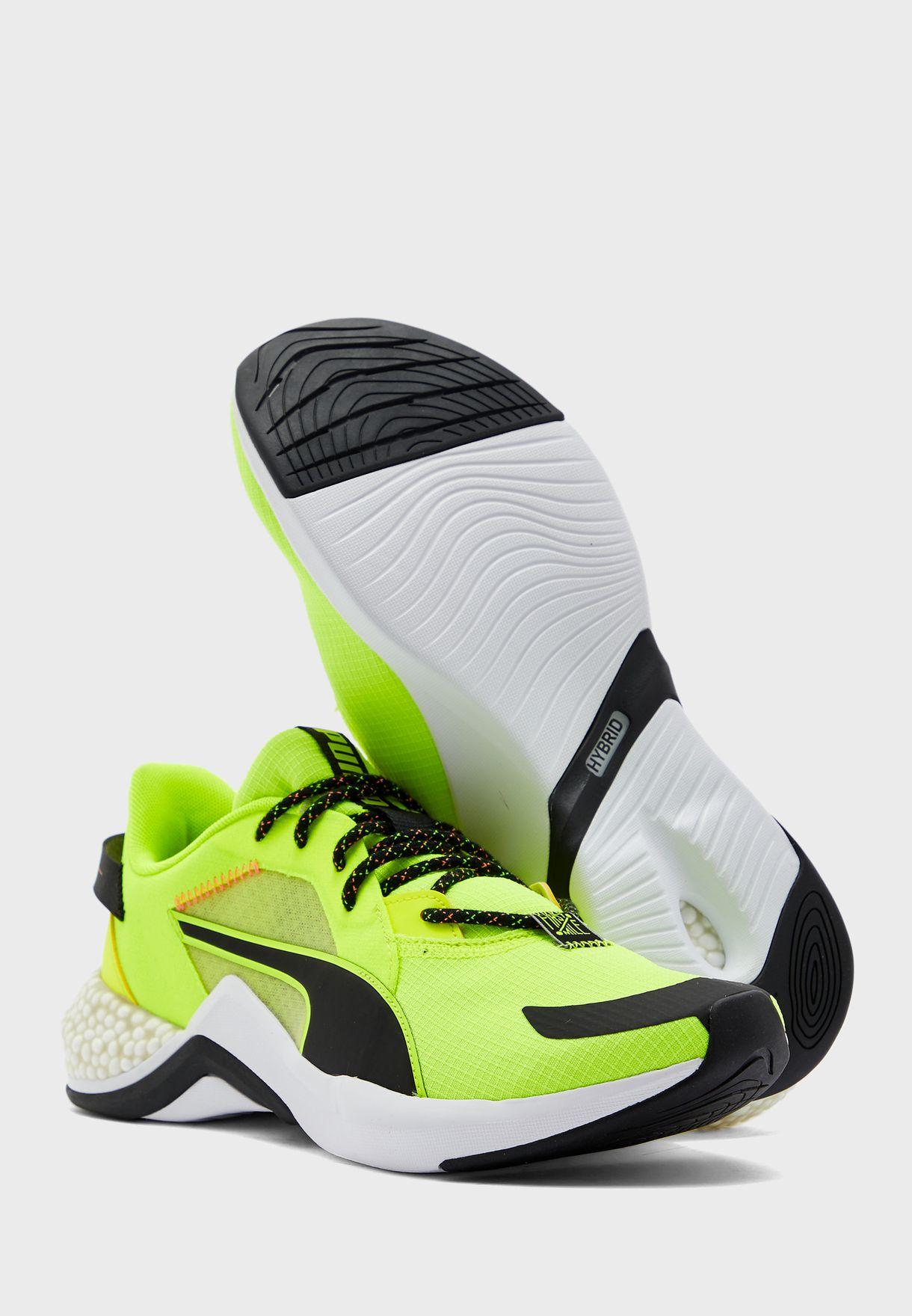 حذاء هايبرد ان اكس او زون