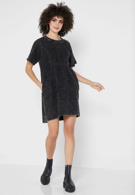 Elastic Detail Pleated Dress