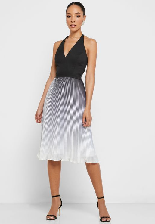 Halter Neck Colorblock Pleated Dress
