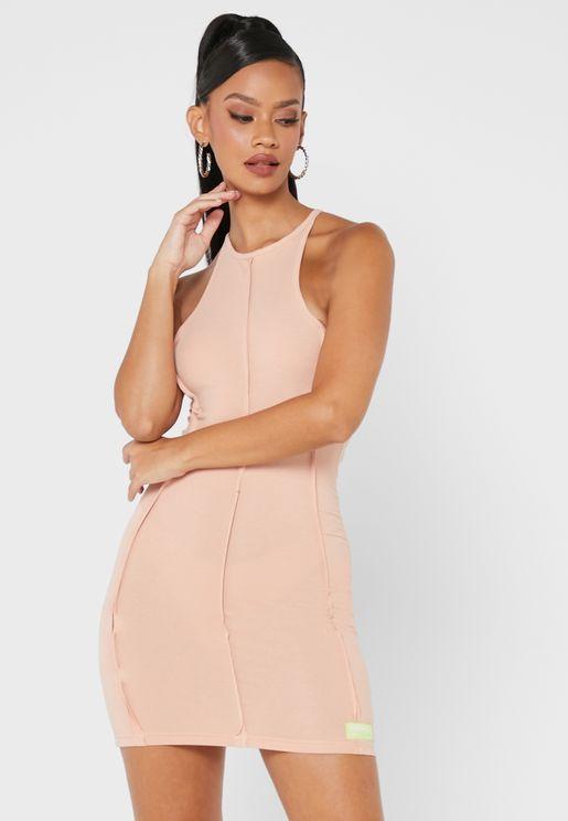 فستان ميني بأزرار كبس