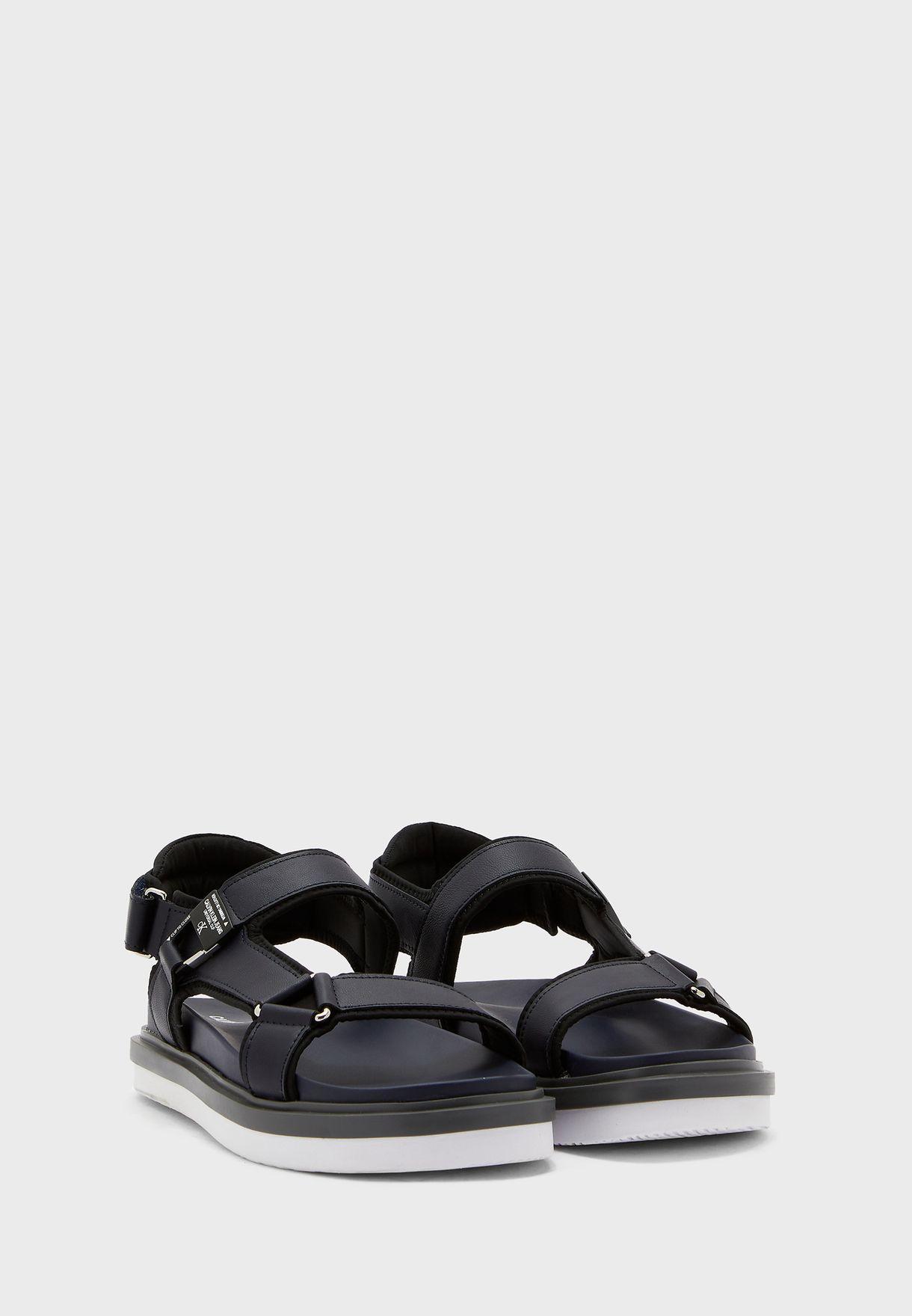 Karabiner Flat Sandals