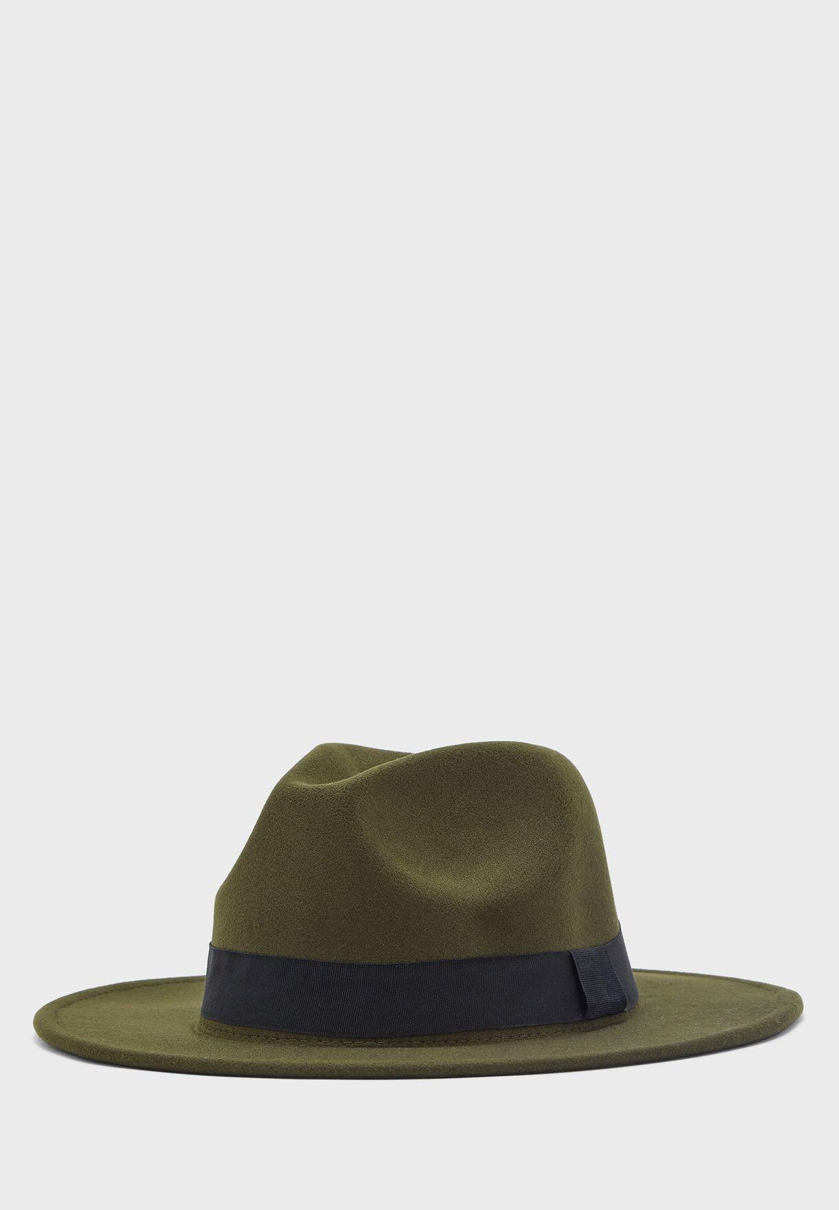 قبعة عصرية