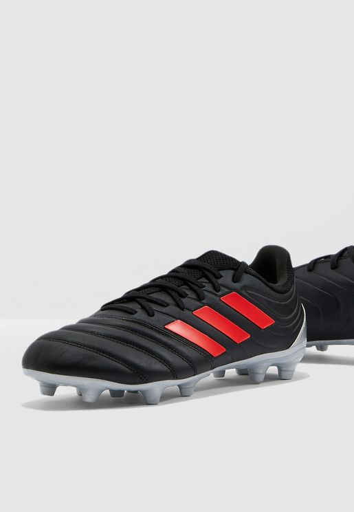 best service 3d996 999c1 Football Shoes - Soccer Shoes Online Shopping at Namshi in UAE