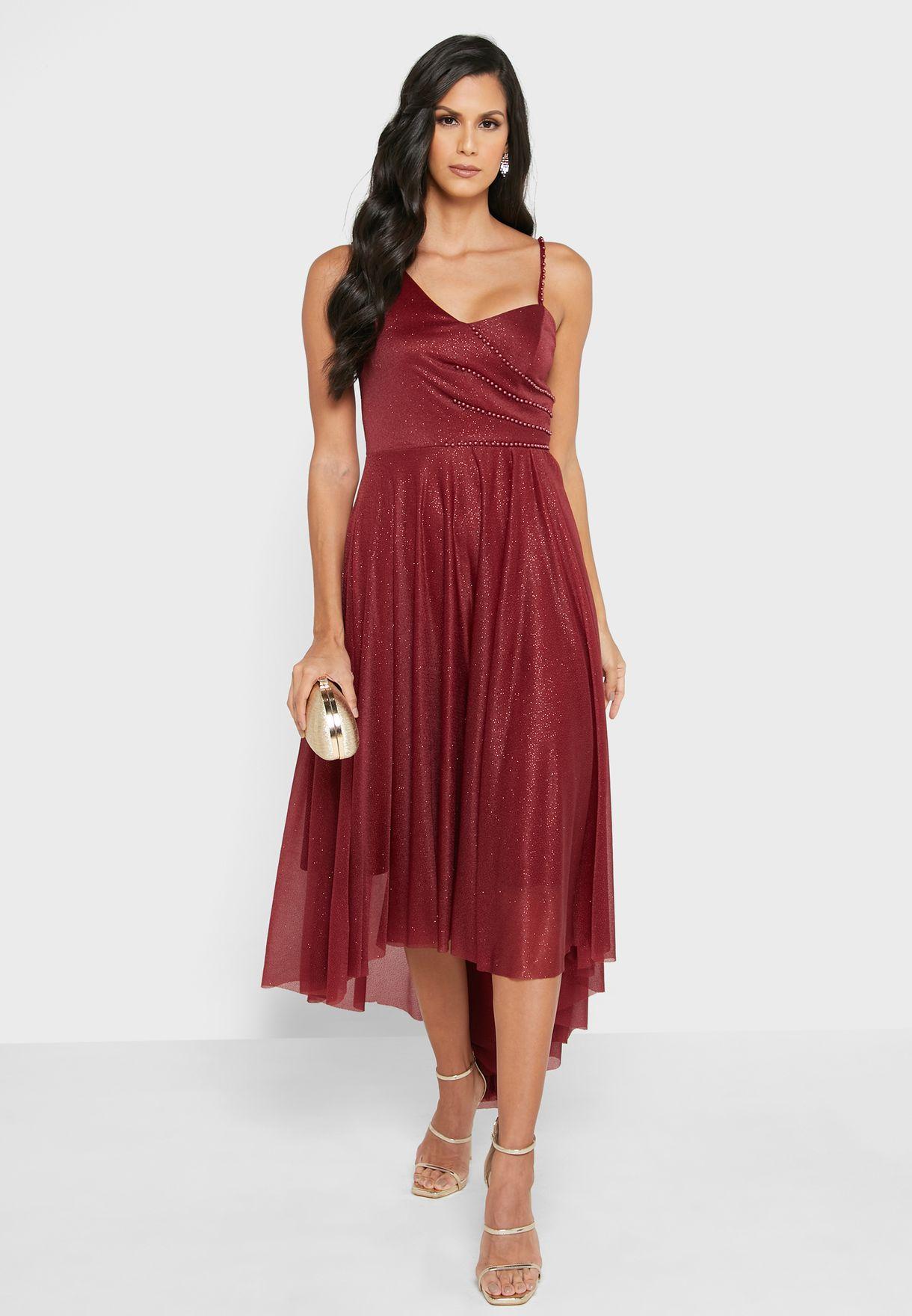 فستان لامع بأطراف غير متماثلة