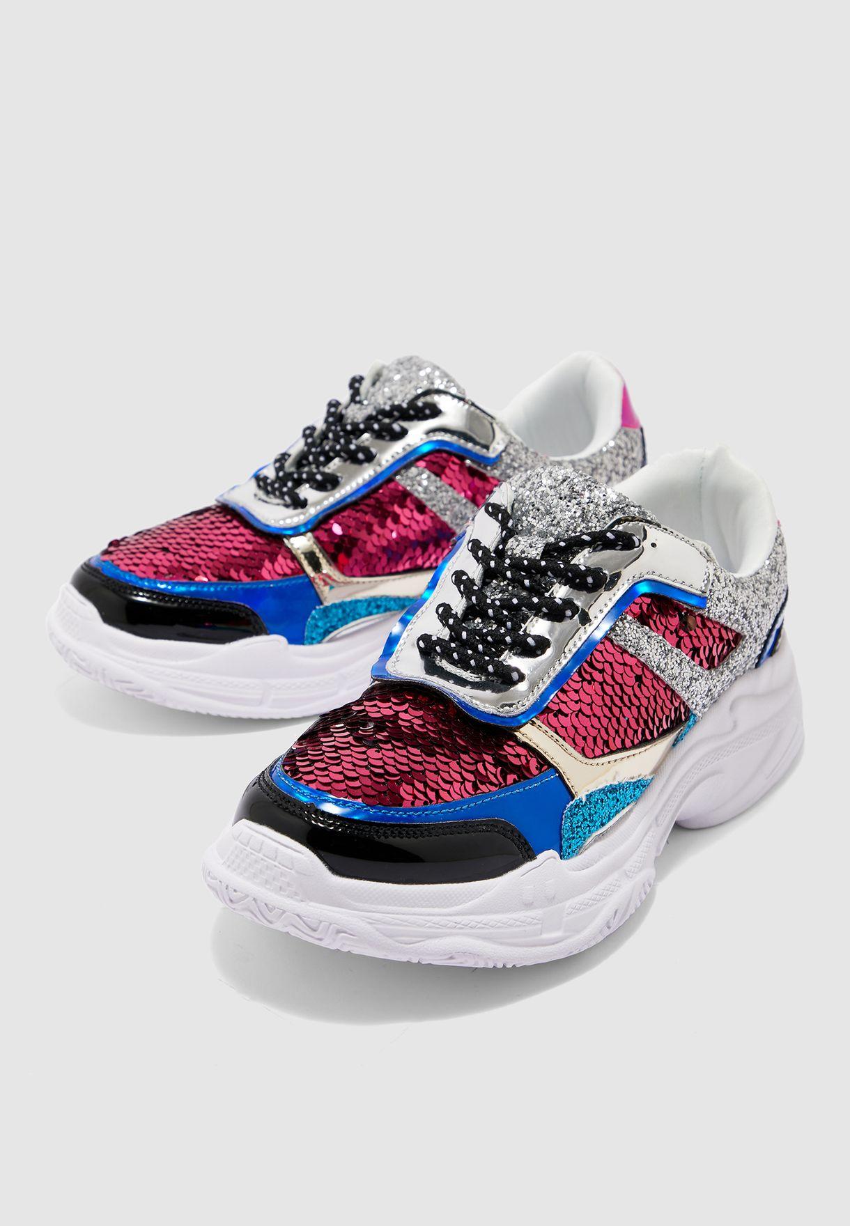 حذاء سنيكرز مزين بالترتر