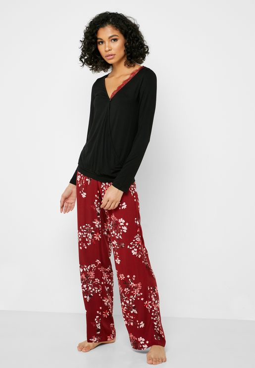 Lace Trim T-Shirt & Printed Pyjama Set