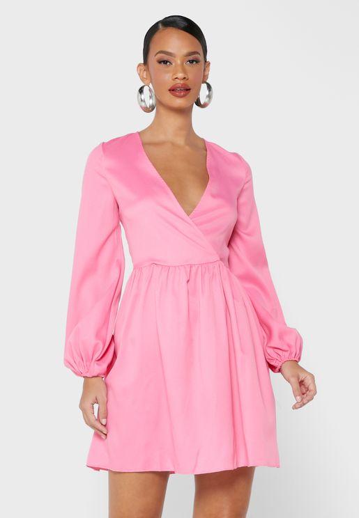 فستان ميني بأكمام منفوشة