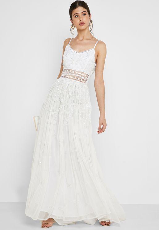 فستان مكسي شفاف مزين بتطريز