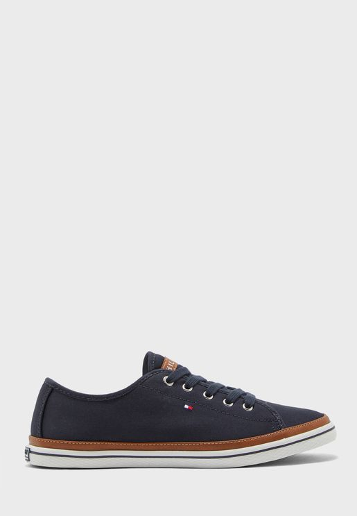 Contrast Detail Canvas Sneaker