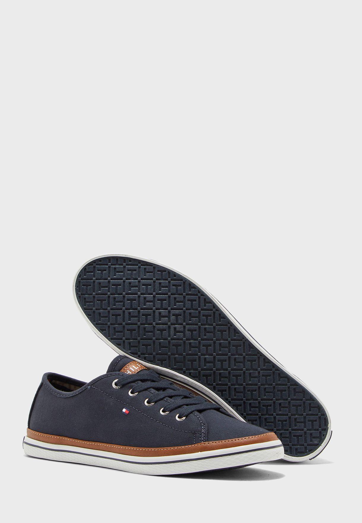 Contrast Detail Canvas Sneaker