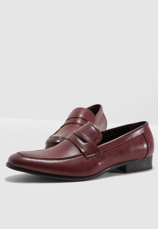 حذاء لوفر كلاسيك