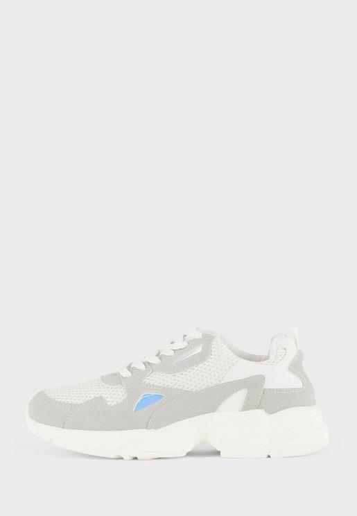 Casual Low-Top Sneaker