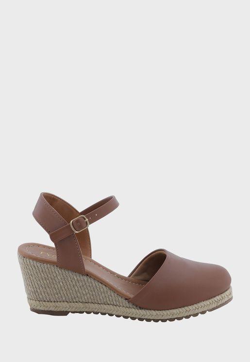 حذاء كعب ويدج