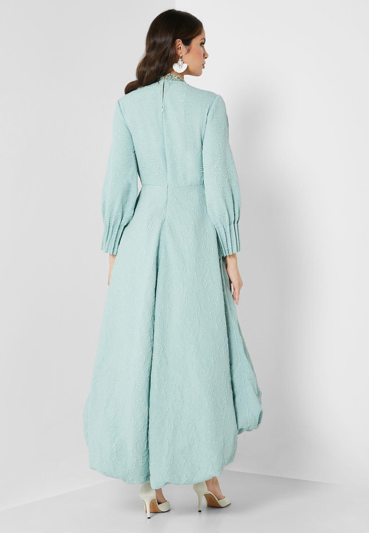 فستان بحواف غير متناظرة