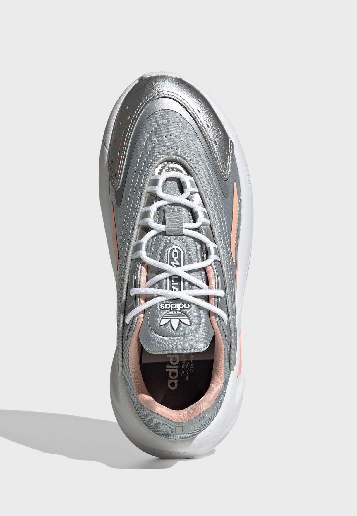 حذاء اوزيليا