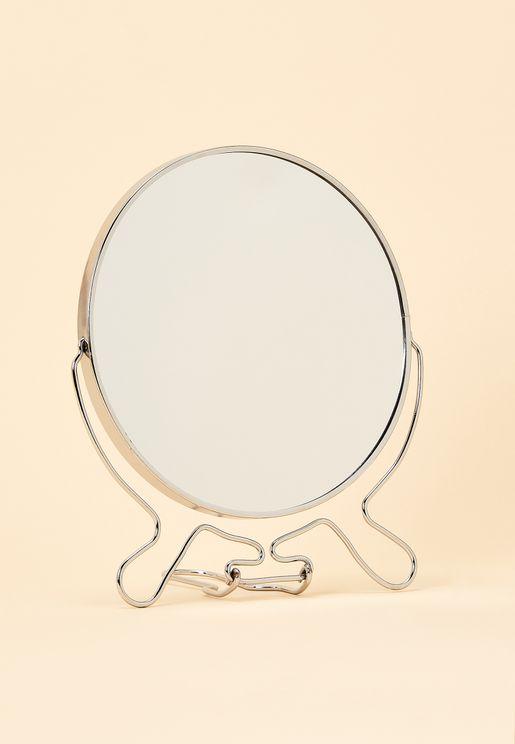 مرآة مكبرة للحلاقة