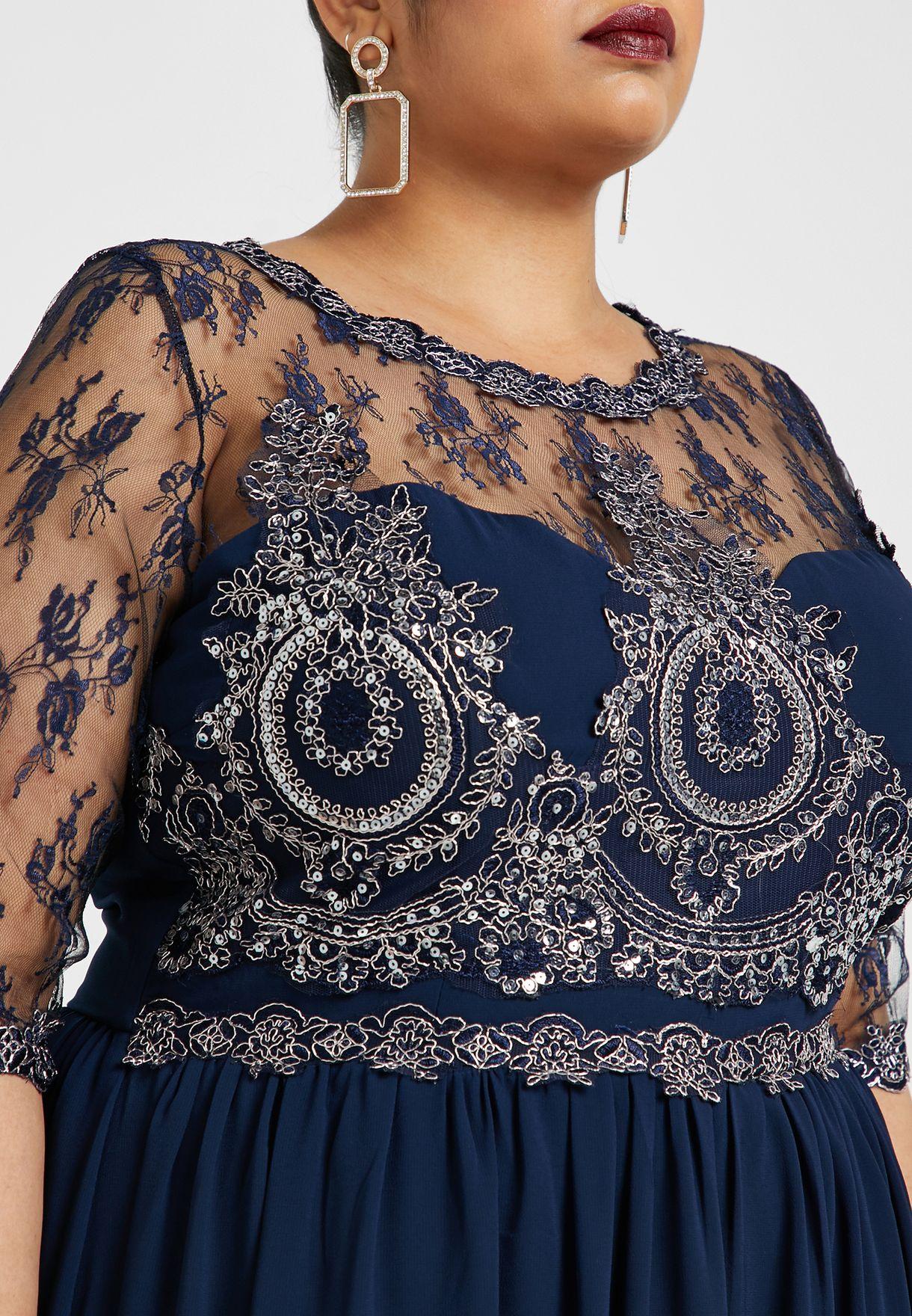 فستان ماكسي مزين بترتر