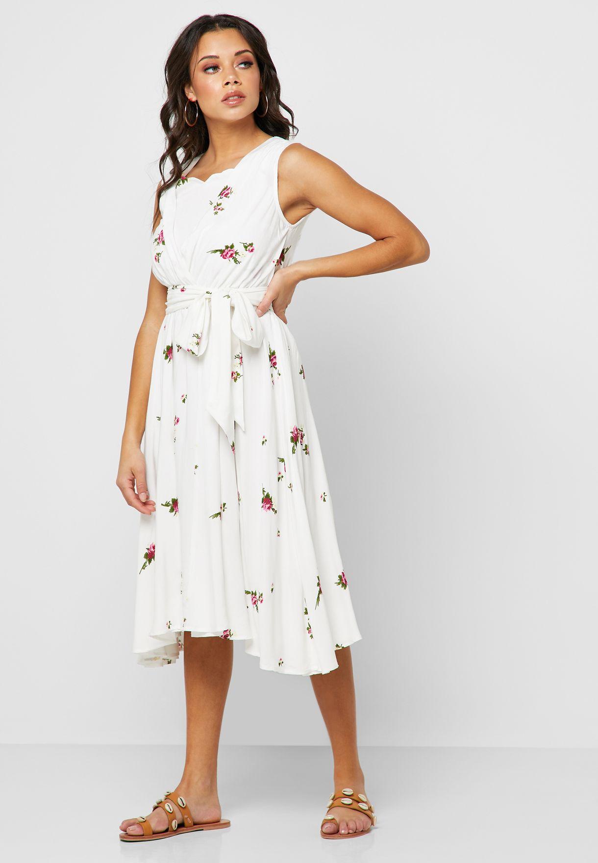فستان مطبع وباربطة خصر
