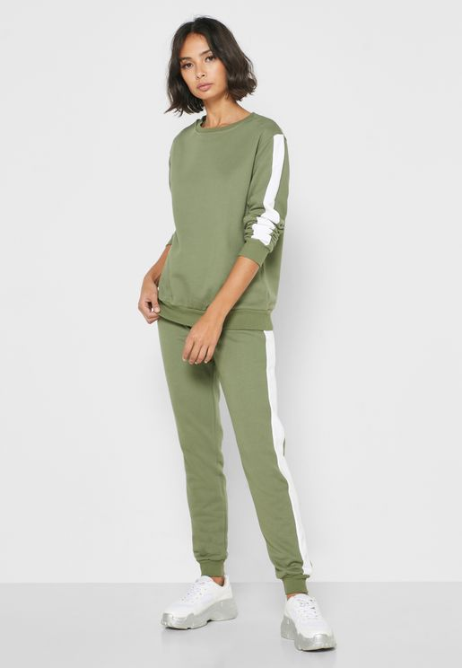 Contrast Side Paneled Sweatshirt Set