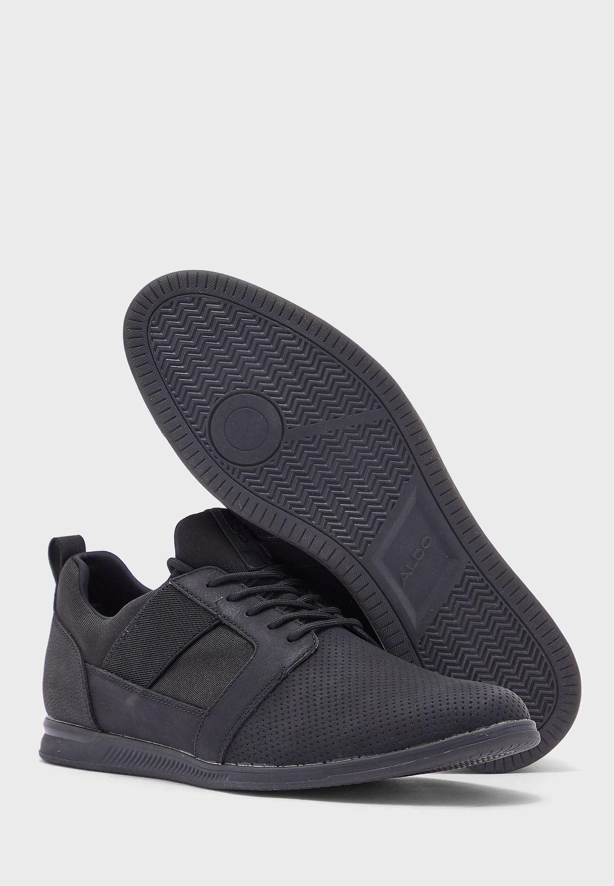 Moonah Low Top Sneakers