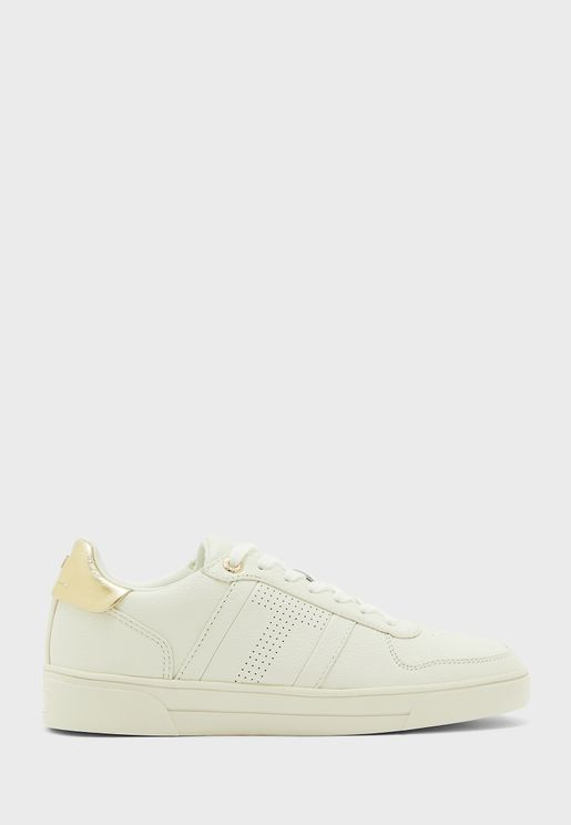 sosie low top sneaker
