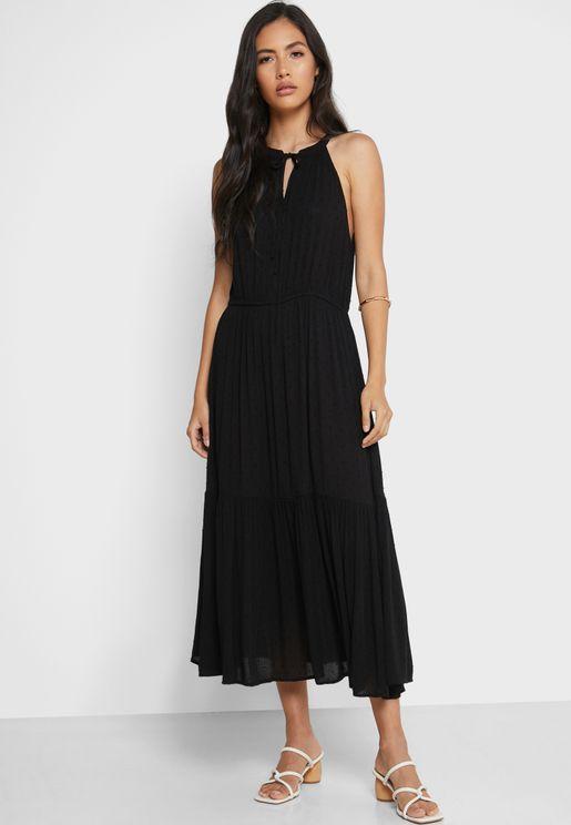 فستان بياقة عالية واربطة