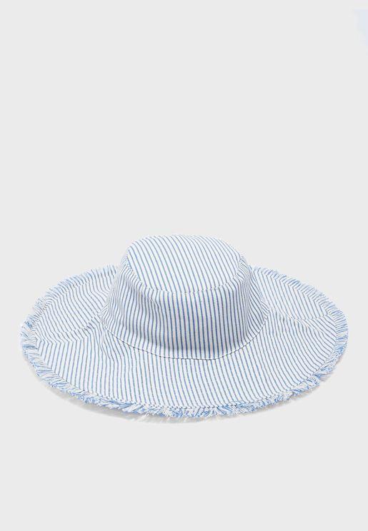 قبعة مخططة للاطفال