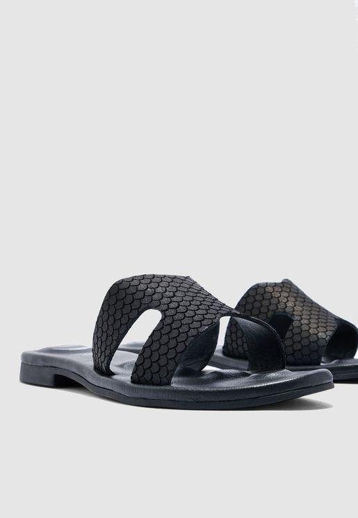 Cross Strap Flat Sandal - Black
