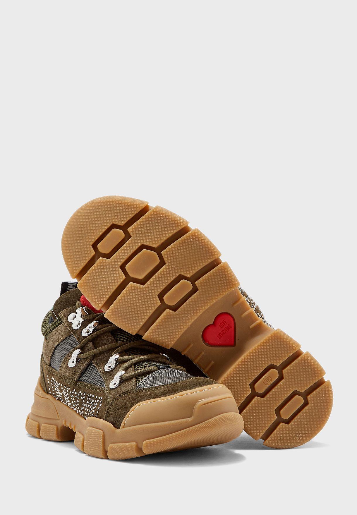 Low Top Sneaker