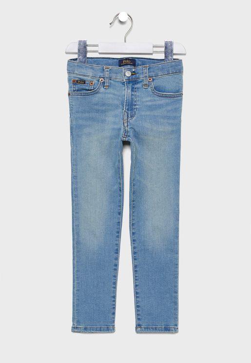 جينز بياقة دائرية