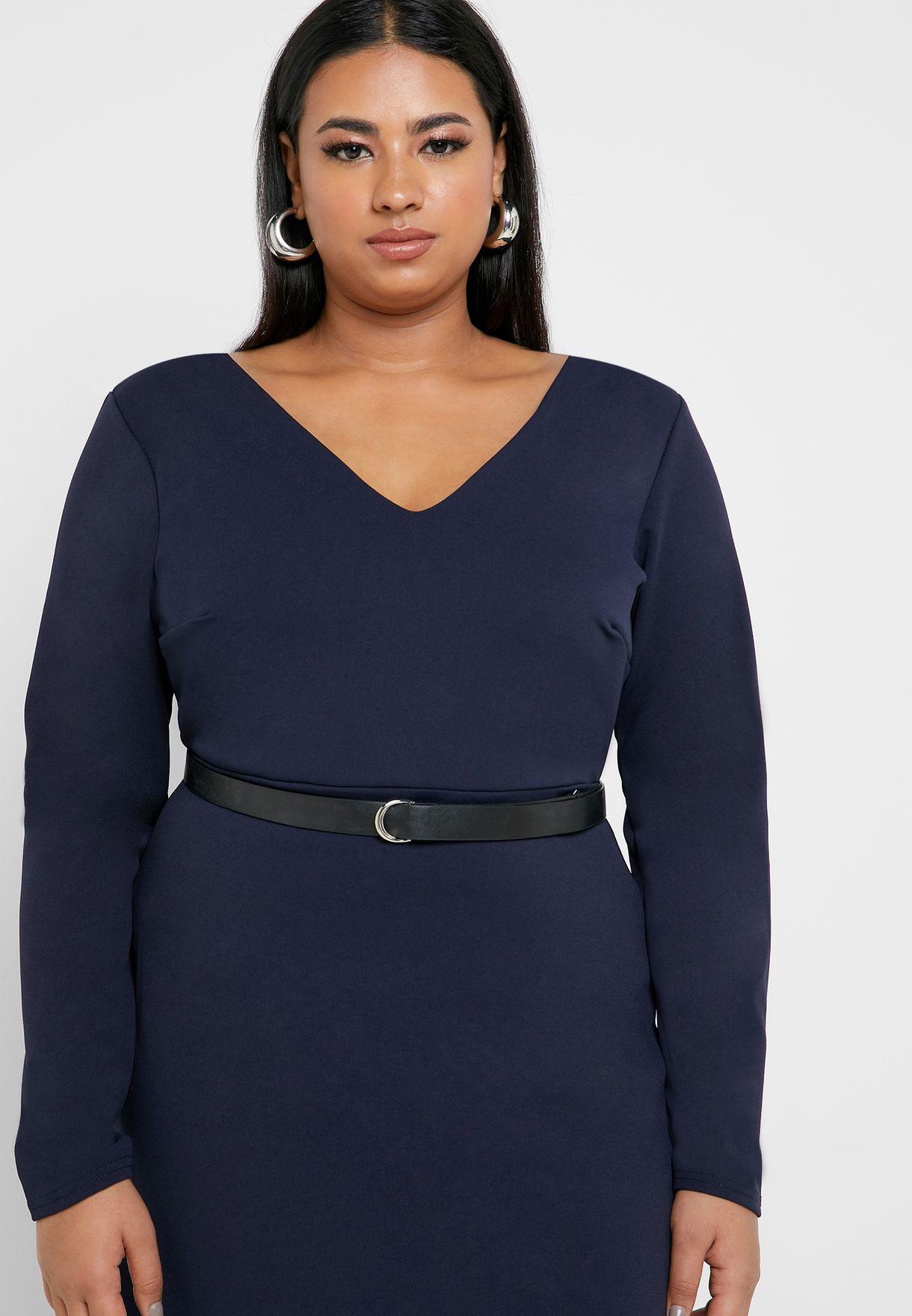 فستان بحافة متباينة الطول