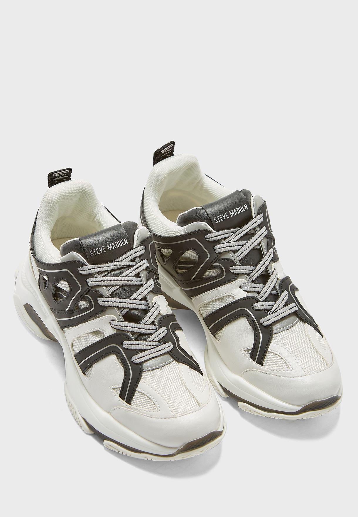 Maxxim Sneakers