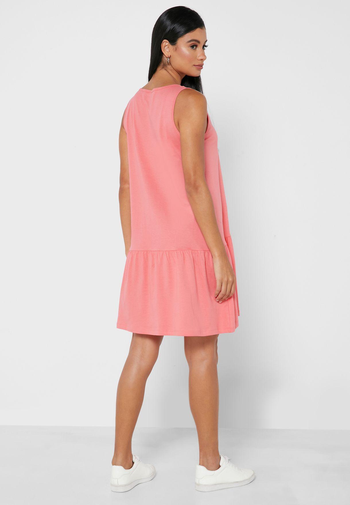 فستان قصير بحواف بيبلوم