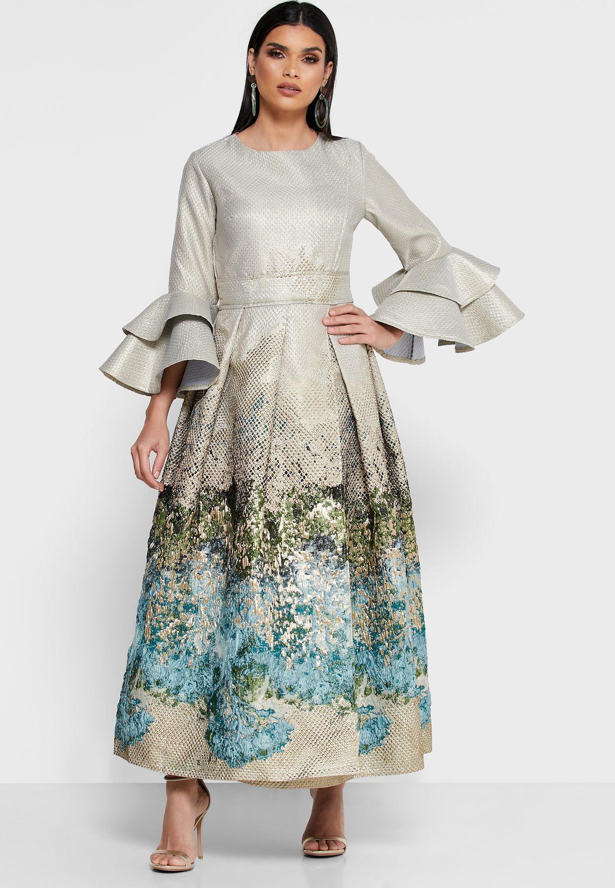 فستان جاكار بطبقات على الاكمام