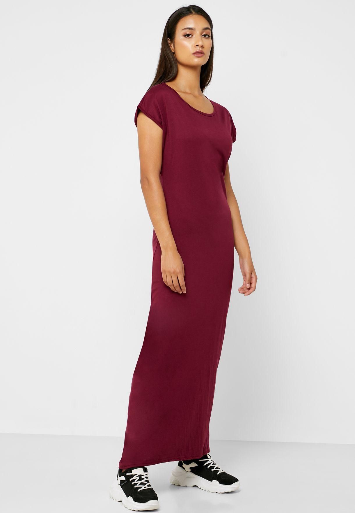 فستان مكسي بأكمام قصيرة